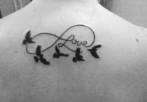 Tatuaggio-infinito-rondini