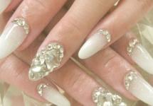 Unghie-sposa-mandorla-gioielli