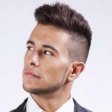 Taglio capelli uomo quasi rasati