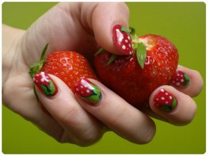 Unghie-decorate-fragole