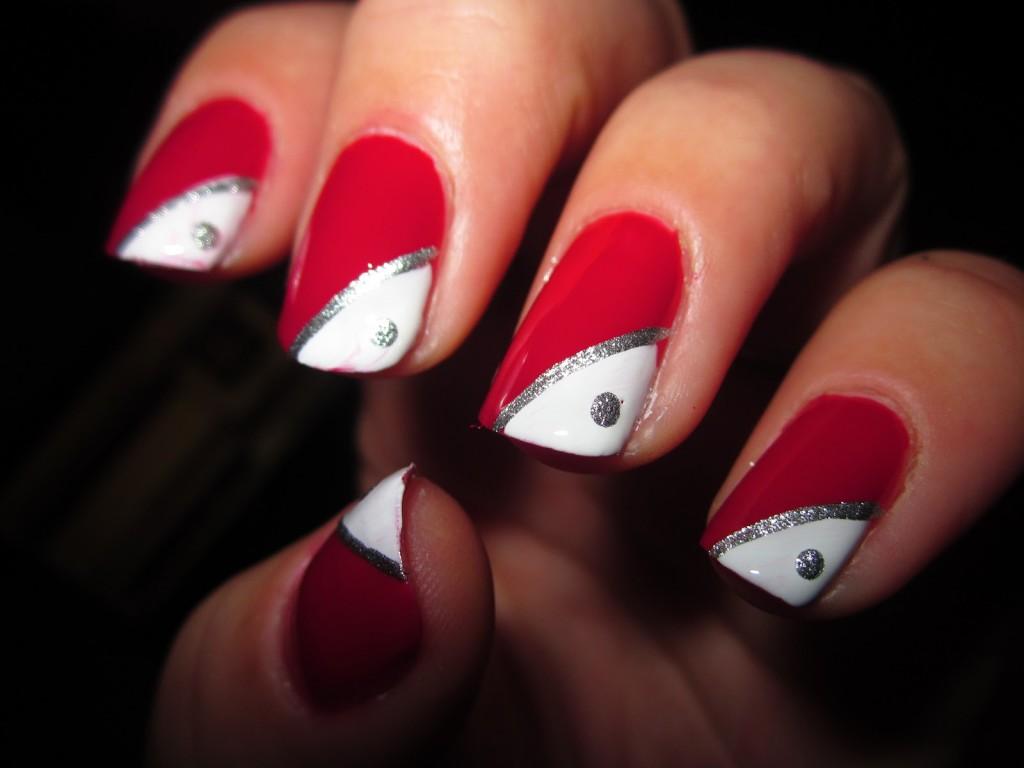 Unghie rosse per tutte le donne che vogliono essere sempre eleganti