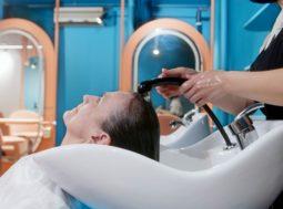 Come lavare i capelli senza rovinarli